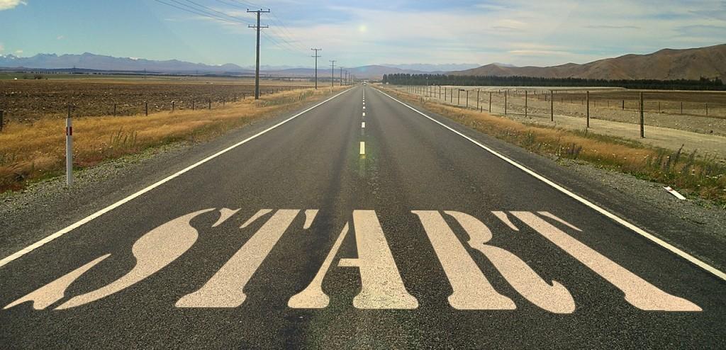 Obrazek przedstawia ulicę z napisem Start